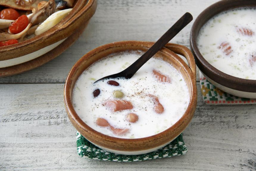 豆とソーセージのミルクスープ
