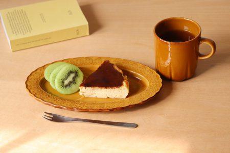 白詰草 oval tea saucer