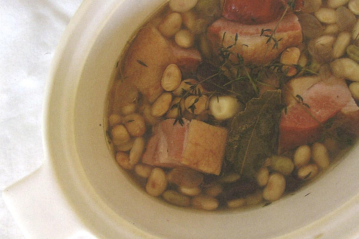 豆とベーコンの水煮